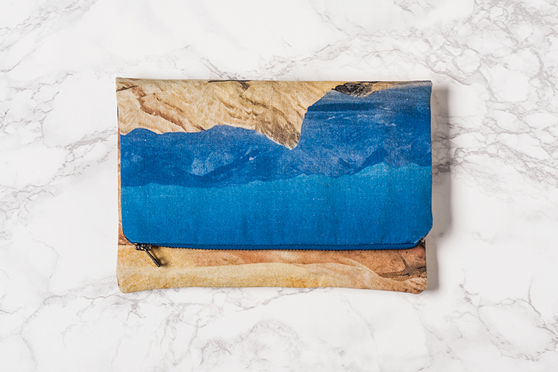 Lee-Coren-Arizona-Desert-Mountains-Landscape-Clutch