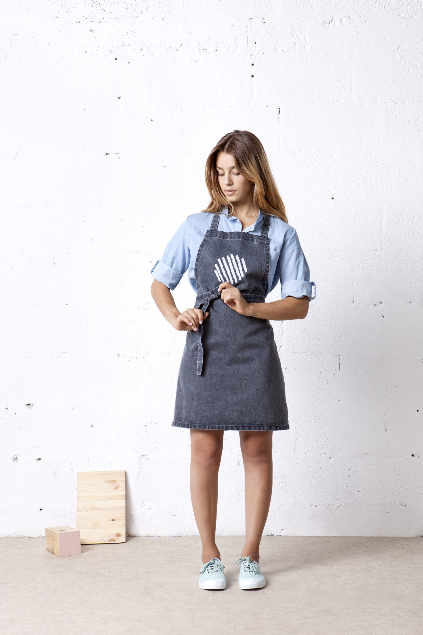 swift stonewashed apron
